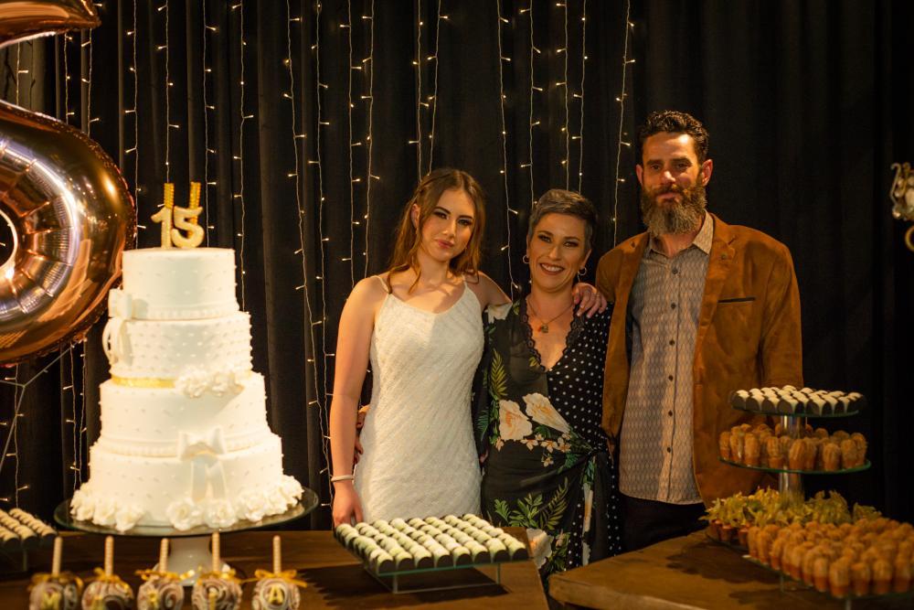 Maria Cecilia Juliano celebra os 15 anos